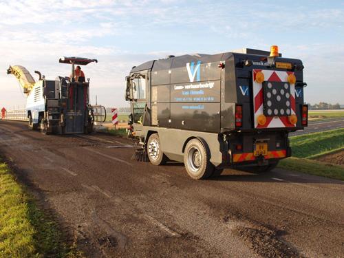 Vegen bij asfalteerwerkzaamheden Van Hennik